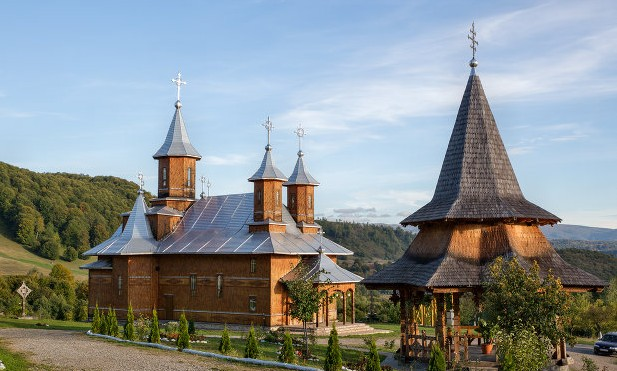 Mănăstirea Sf Treime Moișeni
